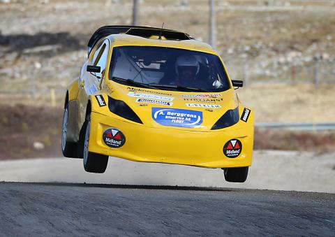 Premiär för Santosh, SuperLite RallyX,  i Skövde den 1 maj.