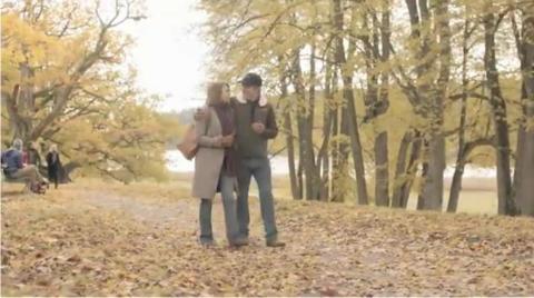 Sörens fru debuterar i Telenors vinterkampanj