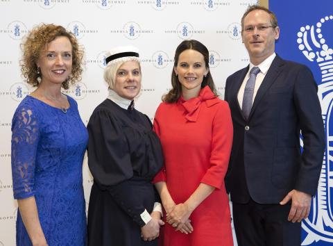 Högtidlig stämning när H.K.H. Prinsessan Sofia delade ut Sophiahemmets förtjänsttecken på Sophiahemmet Högskola