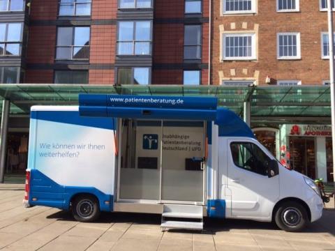 Beratungsmobil der Unabhängigen Patientenberatung kommt am 21. September nach Bremerhaven.