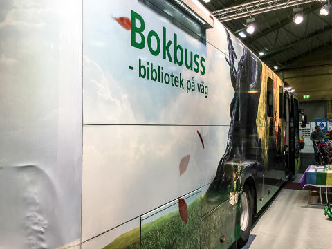 Bokbussen hade många intresserade besökare under Nolia Kids.