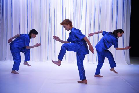 Dansare syntolkar sitt eget framträdande