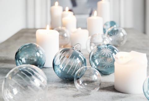 Nyhet fra Hadeland Glassverk: Julekuler i glass med slipemønster