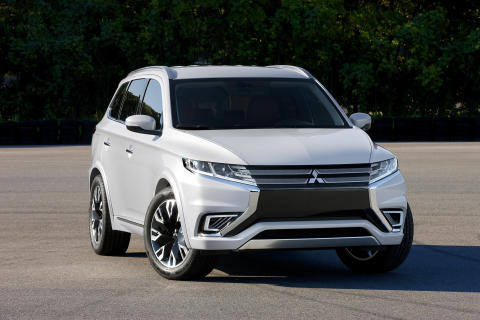 Mitsubishi Outlander PHEV Concept-S front