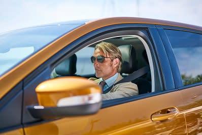 A Ford Edge kampány új rövidfilmje, a 'Le Fantôme' főszereplője a neves színész, Mads Mikkelsen