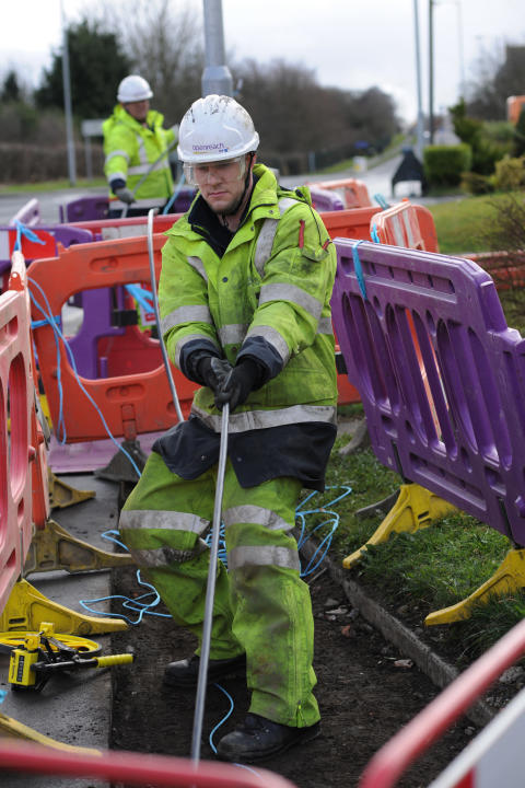 Thousands more Scottish homes ready for superfast broadband