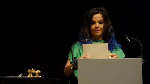 Björk presenterar 2012 års vinnare av HARPA Nordic Film Composer Award - Fredrik Emilson