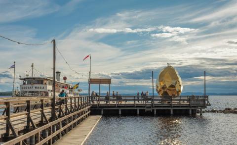 Pressinbjudan: Landshövding Ylva Thörn vinkar av Solar Egg i Rättvik