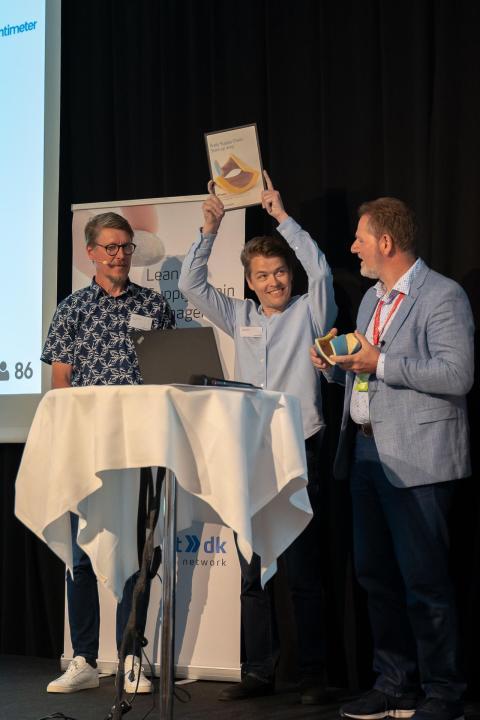 Her overrækkes prisen til SpaceInvaders opfinder og grundlægger, Jesper Rølund