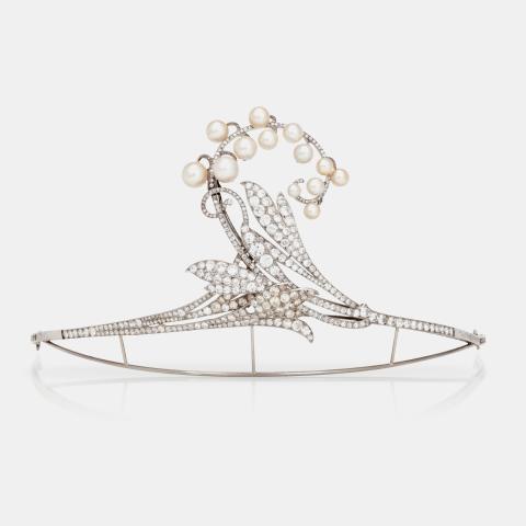 Diadem, proveniens Gunnila Bernadotte, platina, odlade pärlor och diamanter