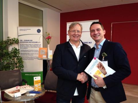 Prof. Dr. med. Dietrich Grönemeyer am VOD-Stand in Essen