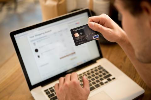 Rekordné nákupy platbnou kartou Visa