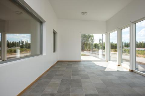 Arkitektritat passivhus från Emrahus med Ekstrands fönster & dörrar