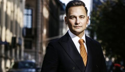 Stockholms Handelskammare stödjer förslag om reduktionsplikt – men då måste flygskatten tas bort