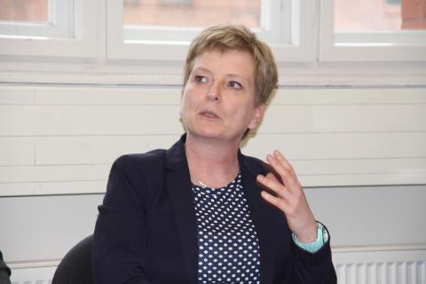 """Brandenburgs Wissenschaftsstaatssekretär Martin Gorholt informierte sich am 26. März 2015 über den """"Wildauer Weg der dualen Ausbildung"""""""