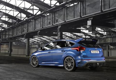 Ford viser nye Ford Focus RS; høyytelsesbil med innovativt firehjulsdrift-system