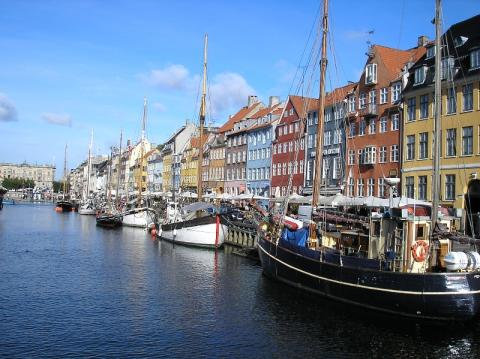 'I saw three ships come sailing in' – to Copenhagen!
