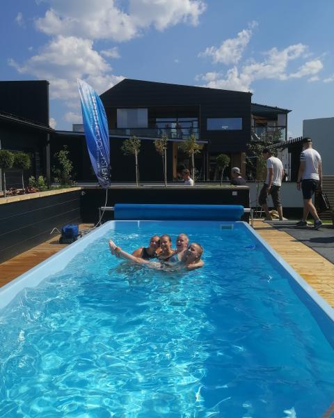 Asuntomessuilla pääsee uimaan tällä viikolla joka päivä