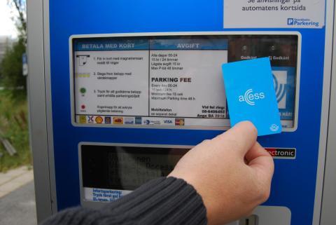Försök med avgiftsfria infartsparkeringar för att få fler att åka kollektivtrafik