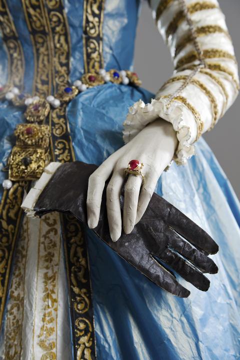 Maria av Medici:  detalj - klänning &accessoarer