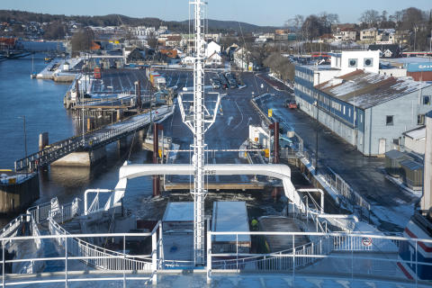 Auto docking
