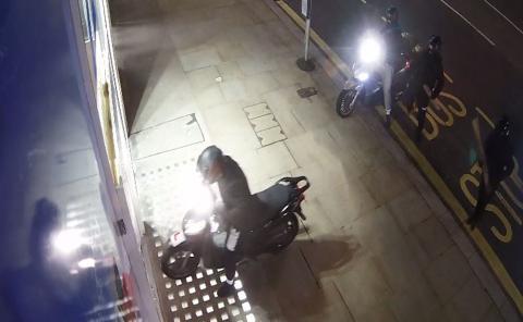 Clothing shop, Kensington High Street ram raid - 30 January 2018