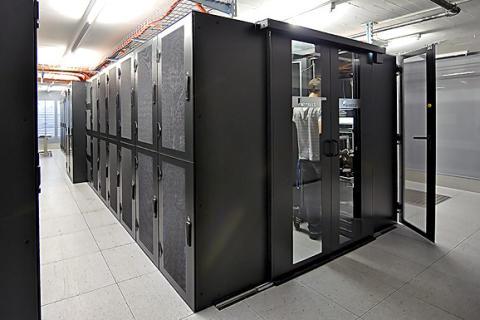 Dataservrar trivs i serverhallar med högeffektiva EC-fläktar