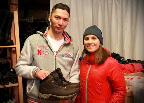 Blivande skoägare tillsammans med Moxters VD Anna Rahm
