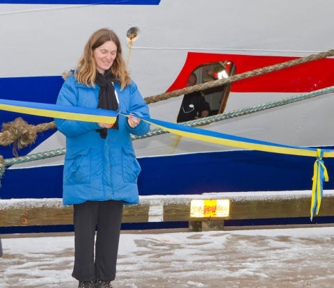 Local Councilor Sofia Bothorp opens a Cavotec shore power unit at Karlskrona Baltic Port