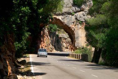 Upptäck Mallorcas guldkorn med hyrbil