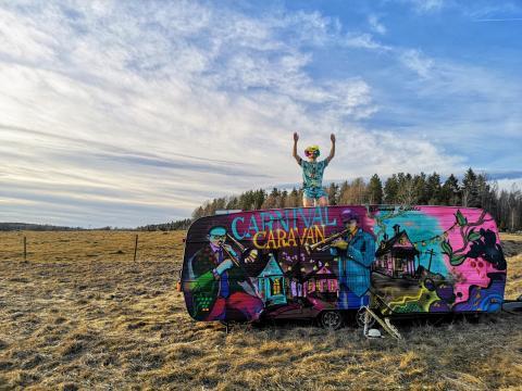 Vårstädning av Carnival Caravan