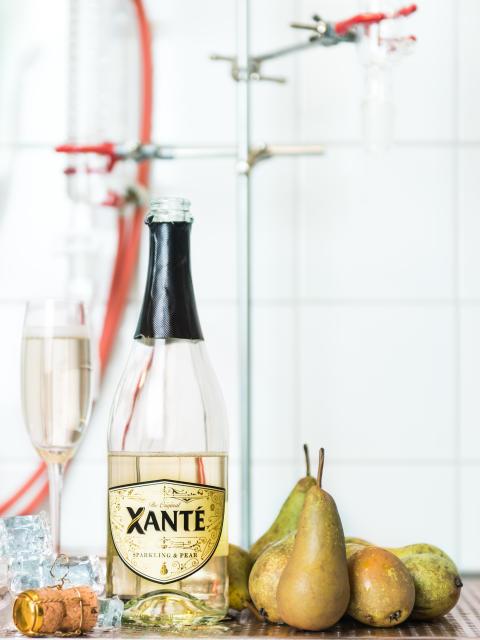 Xanté Sparkling & Pear med päron, stående