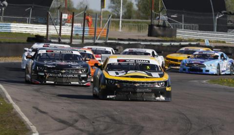 Ahlberg, Graff och Palnér bjöd på racingshow i V8 Thunder Cars