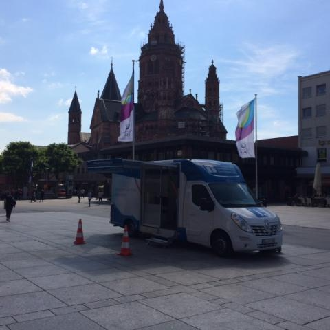 Beratungsmobil der Unabhängigen Patientenberatung kommt am 19. April nach Mainz.