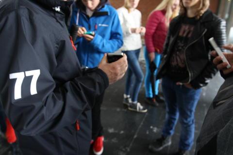 Per Thorén visar appen för sjuor från Mölnlycke