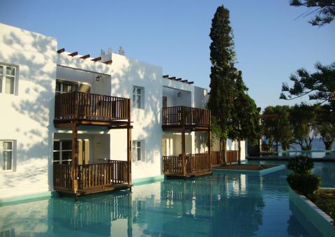 Spies' voksenhotel Sunprime Miramare Beach på Rhodos' vestkyst