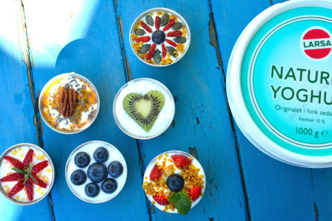 Bjud på söta små yoghurtcupcakes!