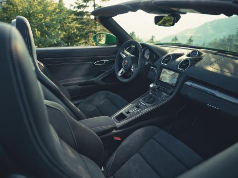 Interiören i nya Porsche 718 Boxster GTS 4.0