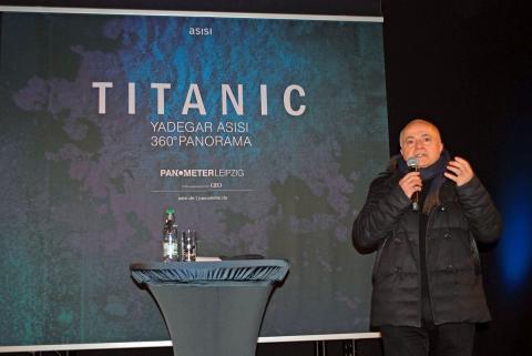 Künstler Yadegar Asisi bei der Eröffnung seines neuen 360°-Panoramas im Panometer Leipzig