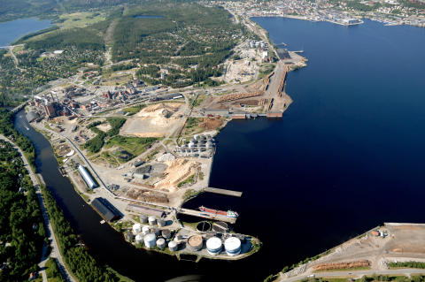A delegation of diplomats from 29 countries visit SEKAB and the biorefinery centre in Örnsköldsvik