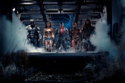 Oplev bl.a. Batman, Superman og Wonder Woman i actionbraget Justice League