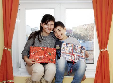 Aktion Julklappen i Bukarest, Ingrid 13 år och Roberto 11 år