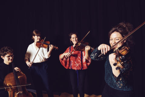 Vinjettbild med stråkkvartett till kammarmusikfestivalen Kom & Hör på Kungl. Musikhögskolan i Stockholm. Foto: Mira Åkerman.