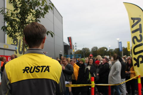 I morgen åpner Rusta sitt nye varehus i Larvik