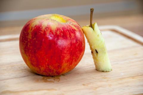 Juicen görs på överblivna äppelkärnhus