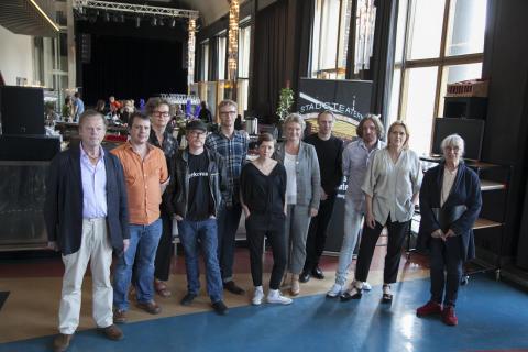 Från tung familjedramatik till Karlsson på taket Göteborgs Stadsteater presenterar spelåret 2014-2015