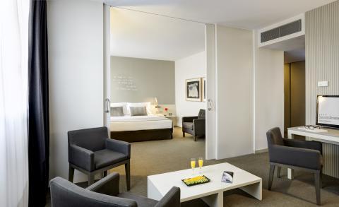 Sercotel Hotels Interior Room