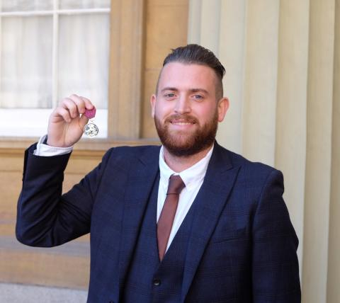Officer awarded a George Medal after confronting armed terrorists during the London Bridge attack