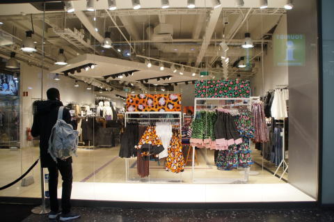 Först i kön inför H&M:s släpp av Kenzo-kollektionen