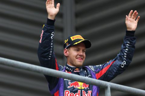 Vettel dominerar Belgiens Grand Prix med en tvåstoppsstrategi